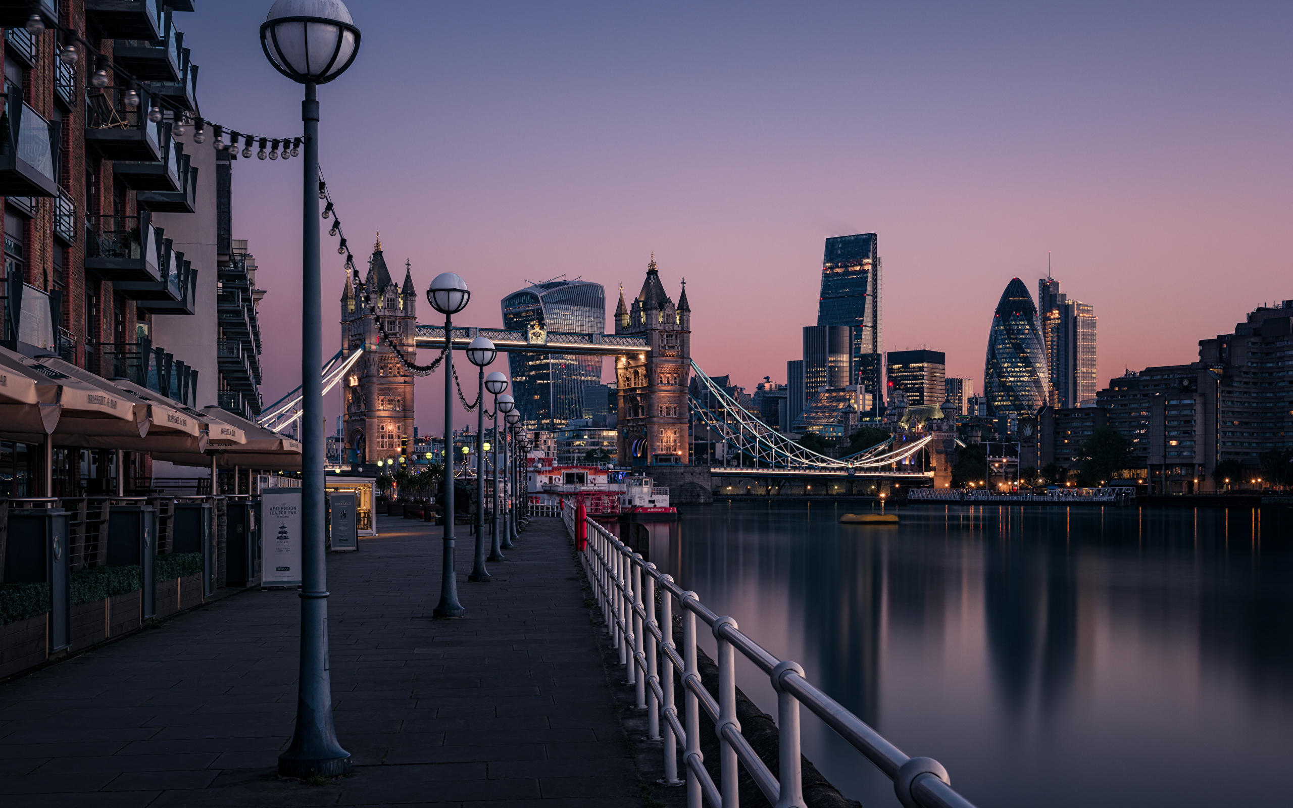 early-morning-in-london-2560×1600